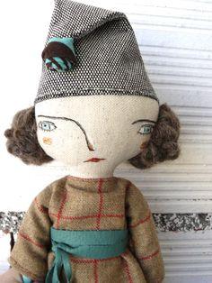 Muñeca con pelo de alpaca y lana merino cosido a mano y vestido de tela de cuadros.  32 cm de AntonAntonThings en Etsy