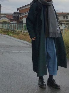 great look for men – Hijab Fashion Mode Outfits, Casual Outfits, Fashion Outfits, Womens Fashion, Warm Outfits, Petite Fashion, Fashion Tips, Look Fashion, Korean Fashion
