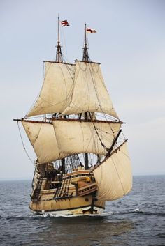 Model Sailing Ships, Old Sailing Ships, Ocean Sailing, Moby Dick, Bateau Pirate, Mystic Seaport, Classic Sailing, Ship Paintings, Old Boats