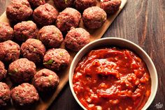 BBQ MEATBALLS - PALEO ...     2 lb. ground beef;     ½ cup green onions, thinly sliced;     ¼ cup almond flour; (optional)     1 egg;     ½ tsp. chili powder;     Coconut oil;     Sea salt and freshly ground black pepper;