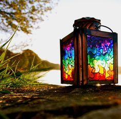 stained glass lantern - gorgeous in the garden Taste The Rainbow, Over The Rainbow, Rainbow Things, Stained Glass Art, Mosaic Glass, Landscape Lighting, Color Of Life, Rainbow Colors, Bright Colors