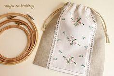 『ハンガリー刺繍☆バラとライラックのド…』