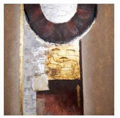 Dit prachtige schilderij uit de MC label collectie is bijzonder en sfeervol! De warme kleuren, het zilver en het goud, het reliëf door de opgeplakte geschilderde materialen maken dit doek een lust voor het oog!  Afmeting: 100x100cm