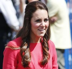 Kate Middleton New Curly Hairstyle Walk in School