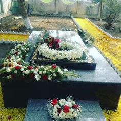 Funeral, Flower Arrangements, Table Decorations, Canning, Flowers, Diy, Sadness, Instagram, Memories