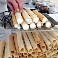 Recept : Oplatkové těsto na trubičky | ReceptyOnLine.cz - kuchařka, recepty a inspirace Churros, Crackers, Nutella, Ham, Biscuits, Bakery, Food And Drink, Sweets, Cheese