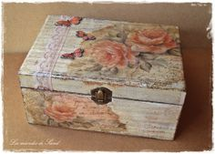 Trinket and jewelry box Shabby Chic Prints, Altered Cigar Boxes, Decoupage Wood, Ceramic Boxes, Painted Boxes, Small Boxes, Malm, Vintage Flowers, Trinket Boxes