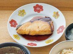 栗原 はるみさんのぶりを使った「ぶりの照り焼き」のレシピページです。調味料につけておく必要がないので、忙しくても簡単つくれます。 材料: ぶり、【A】、塩、サラダ油