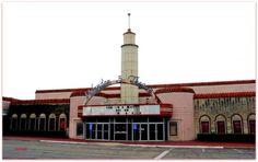 Casa Linda Theatre, Dallas, TX. (cinematreasures.org / Don Lewis)