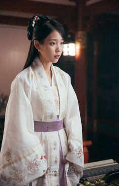 Dream without Limits : Scarlet Heart Ryeo PD notes - Ep 17 - Korean Hanbok, Korean Dress, Korean Traditional Dress, Traditional Dresses, Korean Beauty, Asian Beauty, Iu Moon Lovers, Scarlet Heart Ryeo, Oriental Dress