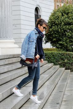 Love this denim jacket and jeans with white converse