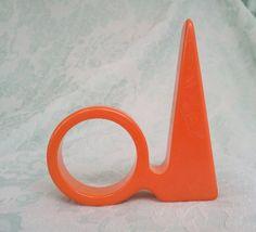 Vintage Bakelite Orange 1939 NY World Fair Trylon Perisphere Napkin Ring
