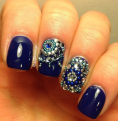 Gorgeous Rhinestone Manicure You Have to Try