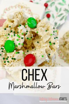 Are you looking to make a Christmas treat that the whole family will enjoy? These Chex Marshmallow Bars are an easy no-bake option, perfect for the Christmas season. #kenarry #ideasforthehome Easy Christmas Treats, Christmas Sprinkles, Christmas Ideas, Marshmallow Cereal Bars Recipe, Chex Recipes, Winter Treats, Good Food, Yummy Food, Homemade Lemonade