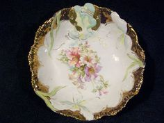 Lovely Hidden Image RS Prussia 9 Bowl w Exquisite Gold Floral Unmarked