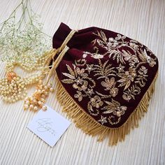 Zardozi Embroidery, Embroidery Bags, Wedding Clutch, Wedding Bouquet, Diy Wedding, Potli Bags, Pink Velvet, Velvet Bags, Beaded Bags