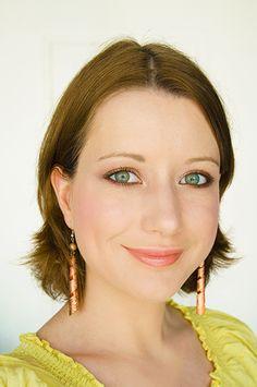 50 shades of sand - Maquillage de sable et terre dorée #blog #beaute #tuto #maquillage #makeup #yeux #couleur #colore #sable #cuivre #bronze #or #doré #fard #ombre #paupières #onobule #agnesb #terredoree #ccb #essence #partyallnight #catrice #newinbrown http://mamzelleboom.com/2014/08/07/maquillage-make-up-beige-brun-marron-chaud-sable-terre-doree-cuivree/