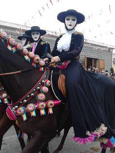Sardinian People, My Land, Religious Art, Beautiful People, Captain Hat, Folk, Costumes, Daughters, Masks