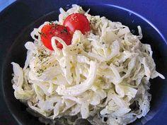 Krautsalat mit Schmand und Joghurt, ein schönes Rezept aus der Kategorie Gemüse. Bewertungen: 10. Durchschnitt: Ø 4,3.