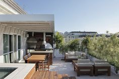 piscina na cobertura Rooftop Terrace Design, Rooftop Garden, Outdoor Spaces, Outdoor Living, Outdoor Decor, Dream Home Design, House Design, Terrasse Design, Rest House