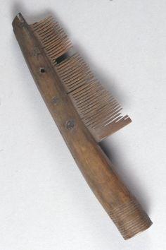 Antler comb 10th-11th century. Saxon. Museum of London.