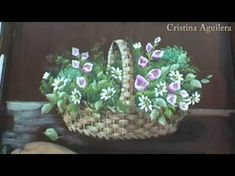 Pintar cesta de mimbre con flores . Paint wicker basket with flowers - YouTube