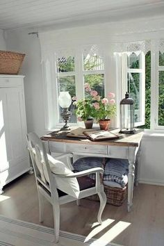 Estilo country / H + D - Decor, Rustic Dining Table, Sweet Home, Cottage Interiors, Pallet Furniture Bedroom, Interior Design, Home Decor, House Interior, Rustic Bedroom Design