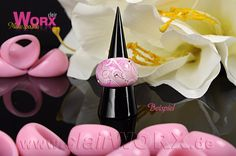 Ring mit Airbrush verziert - Ring decorated with airbrush Cluster Ring, Airbrush, Special Words, How To Make, Jewelry, Decor, Art, Schmuck, Bangle Bracelet