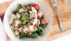 Couscous met tomaat, mozzarella, pistache, veldsla en olijfolie Cooking Recipes, Healthy Recipes, Healthy Food, Cobb Salad, Quinoa, Salad Recipes, Potato Salad, Nom Nom, Lunch