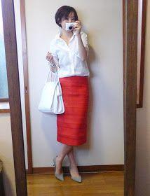 モコーデ: 真っ赤なスカート×白シャツの女度高いコーディネートでプチ帰省 4月22日