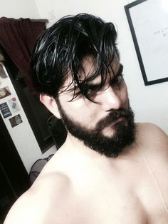 Body engineering plus #beard make a great #selfie