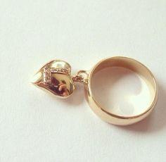 Anel personalizado em ouro amarelo 18K e brilhantes-AP177 * peças em ouro somente por encomenda. #anel #amor #acessório #amormaior #artesanal #atemporal #joia #joya #jewel #coração #ouro #ourives #ourivesaria #ouroamarelo #brilhantes #mãe #noiva #namorada #moda #mulher #presente #personalizada #coleçãoexclusiva #casamento #diamães #diamante #designerjoias #gabrielaaiex #instajoia