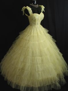 Vintage 1950's 50s Lemon Yellow Tulle Lace Tiered Layered Party PROM Wedding DRESS Gown