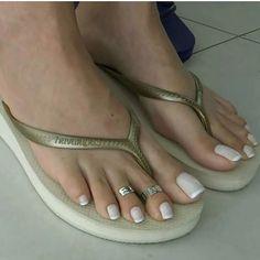 @goddess_grazi #toering #havaianas #flipflops #arches #pedicure #piedi #feetup #footmodel #sexysoles #softsoles #pieds #perfectfeet #barefoot #cutefeet #beautifulfeet #barefeet #footmodel #feetstagram #footfetishgroup #wrinkledsoles #footporn #teamprettyfeet #footjob #feets #prettytoes#footfetishnation #pezinhos #pies #pes #prettyfeet #pés