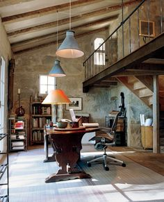 Nice loft space, and scale to the room... Shane wouldn't mind his office space being up there... Sara needs to close the doors