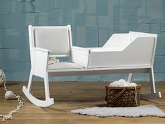 Cántale una nana a tu bebé mientras lo meces en la #RockidRocking. #furniture #baby #cot #rockingchair #chair www.geengeek.com/rockid-rocking-la-silla-cuna-mecedora/