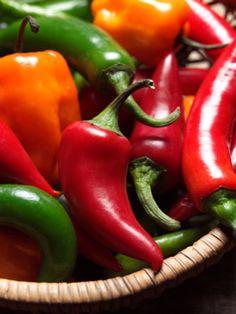 Googles billedresultat for http://askinyourface.com/wp-content/uploads/2010/08/chili-pepper-decor-chili-peppers.jpg