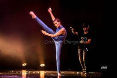 Lorsque le créateur de couleur donne vie à la couleur bleue, incarnée ici par la très talentueuse Clémence. Crédit photo : Catherine Changarnier #danse #spectacle danse #ballet#psico #jazz #danse classique
