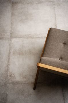 Clays Concrete effect Wall and Floor tiles. These stoneware tiles are available in various colours and sizes for home and commercial design projects. Ceramic Tile Floor Bathroom, Bathroom Flooring, Kitchen Flooring, Kitchen Tile, Concrete Wood, Concrete Floors, Marazzi Tile, Floor Molding, Pink Tiles