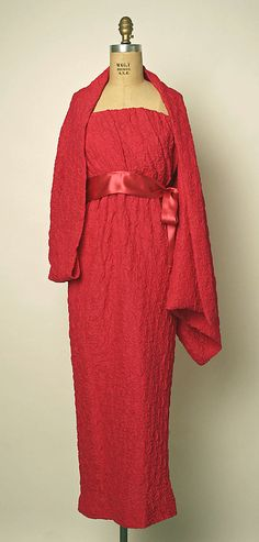 Dress, Evening House of Balenciaga (French, founded 1937) Designer: Cristobal Balenciaga (Spanish, 1895–1972) Date: 1960s Culture: French Medium: silk Dimensions: Length at CB: 45 1/2 in. (115.6 cm) Credit Line: Gift of Mrs. Monique Uzielli, 2001 Accession Number: 2001.308.3