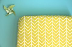 fitted crib sheet in yellow chevron