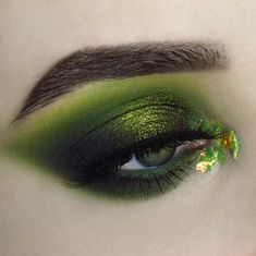 Unique API key is not valid for this user. Goth Makeup, Makeup Inspo, Makeup Art, Makeup Tips, Makeup Ideas, Blending Eyeshadow, Green Eyeshadow, Eyeshadow Makeup, Eyeshadows