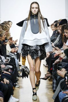 http://www.vogue.com/fashion-shows/fall-2016-ready-to-wear/j-w-anderson/slideshow/collection