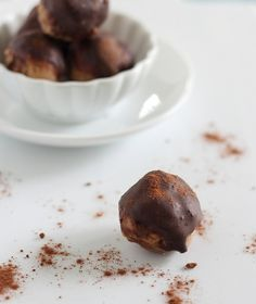 Coconut Butter Balls:  ¼ cup coconut butter  2 tablespoons almond butter (creamy is best)  ¼ teaspoon vanilla extract  pinch of salt (*optional, I didn't add this because my almond butter was salted)  Optional Chocolate Dip  1 teaspoon cacao powder  ½ tablespoon coconut oil