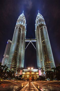 Petronas Twin Towers in Kuala Lumpur, Malaysia Beautiful highlight of our trip, mall and restaurants to enjoy.