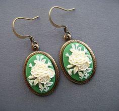 Cameo oorbellen - Victorian Earrings - Cameo sieraden - Victoriaanse sieraden - groene bloem oorbellen - oorbellen - romantische oorbellen groen