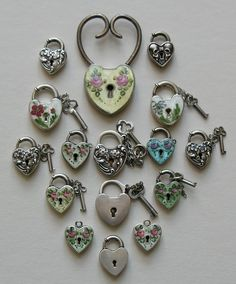 A gorgeous selection of heart locks by Walter Lampl. Courtesy of Red Robin Antiques (Ruby Lane). A gorgeous selection of heart locks by Walter Lampl. Courtesy of Red Robin Antiques (Ruby Lane). I Love Heart, Key To My Heart, Happy Heart, Heart Art, Antique Jewelry, Vintage Jewelry, Old Keys, Felt Hearts, Heart Jewelry