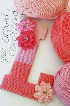 50 Easy Crafts to Make and Sell - Quick DIY Craft Projects to Sell : Yarn Wrapped Ombre Monogrammed Letter - Change it up - wrap in blues add little animals or cars instead of flowers for little boys - so sweet Diy Craft Projects, Kids Crafts, Easy Crafts To Make, Diy And Crafts, Easy Diy, Simple Crafts, Decor Crafts, Fun Diy, Clever Diy