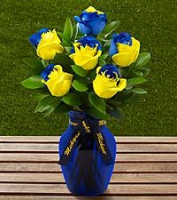 The FTD® University of Michigan™ Wolverines™ Rose Bouquet - 6 Stems - VASE INCLUDED