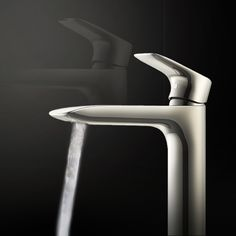 TOTO's GS series lavatory faucets have sensual curves which make it appear aesthetically regal. The technology inbuilt minimizes the use of water, while giving maximum flow. Kitchen Faucets, Bathroom Faucets, Luxury Toilet, Lavatory Faucet, Bar Stools, Flow, Tape, Curves, Technology